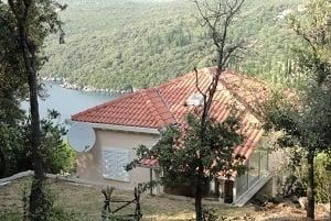 Недвижимость в черногории у моря недорого в рублях купить за